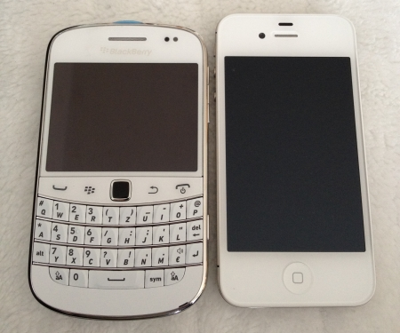 BlackBerry® Bold™ 9900 und iPhone 4S